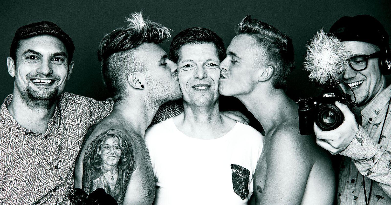 Foto: Stephen Freiheit Models: Lars Taysen – hiv-smittet, Frederik og Jacob Balling – ikke hiv-smittet and of course Two Tall Men!